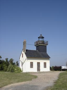 Ancien Phare de la Roque dans l'Eure. Source : http://data.abuledu.org/URI/535e5f8a-phare-de-la-roque