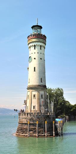 Phare de Lindau. Source : http://data.abuledu.org/URI/58dd76f5-phare-de-lindau