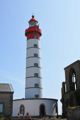 Phare de Saint-Mathieu près de Brest. Source : http://data.abuledu.org/URI/53a98672-phare-de-saint-mathieu-