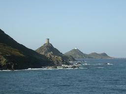 Phare des îles Sanguinaires. Source : http://data.abuledu.org/URI/51c92eb4-phare-des-iles-sanguinaires