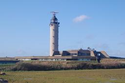 Phare du Cap-Gris-Nez en mer du Nord. Source : http://data.abuledu.org/URI/53590a32-phare-du-cap-gris-nez-