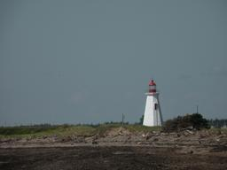Phare octogonal au Canada. Source : http://data.abuledu.org/URI/517ff080-phare-octogonal-au-canada