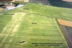 Photo aérienne du site gallo-romain de Barzan. Source : http://data.abuledu.org/URI/557d1d8e-photo-aerienne-du-site-gallo-romain-de-barzan