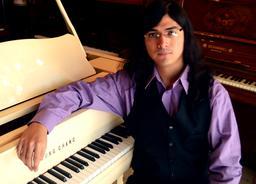 Pianiste argentin. Source : http://data.abuledu.org/URI/588221c6-pianiste-argentin