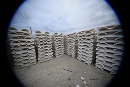 Piles de tuiles chaulées. Source : http://data.abuledu.org/URI/55a91bd6-piles-de-tuiles-chaulees