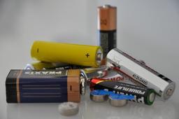 Piles électriques. Source : http://data.abuledu.org/URI/53a96e59-piles-electriques