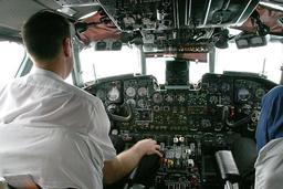 Pilote d'avion de ligne. Source : http://data.abuledu.org/URI/50452d4c-pilote-d-avion-de-ligne
