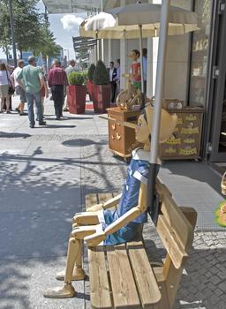 Pinocchio à Berlin. Source : http://data.abuledu.org/URI/519e4146-pinocchio-a-berlin