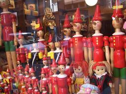 Pinocchio de bois. Source : http://data.abuledu.org/URI/519e07f3-pinocchio-de-bois