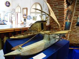 Pirogue à balancier de Vanikoro. Source : http://data.abuledu.org/URI/596e475c-pirogue-a-balancier-de-vanikoro