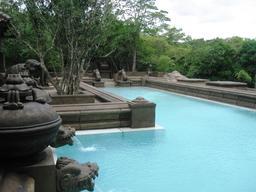 Piscine d'hôtel au Sri Lanka. Source : http://data.abuledu.org/URI/523b6d86-piscine-d-hotel-au-sri-lanka