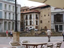 Place à Oviedo. Source : http://data.abuledu.org/URI/55ddf76a-place-a-oviedo