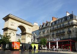 Place Darcy à Dijon. Source : http://data.abuledu.org/URI/5820dcd0-place-darcy-a-dijon