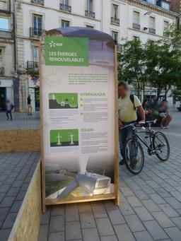 Place Darcy de Dijon. Source : http://data.abuledu.org/URI/58204f11-place-darcy-de-dijon-