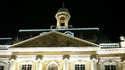 Place de la Bourse à Bordeaux de nuit. Source : http://data.abuledu.org/URI/553c4466-place-de-la-bourse-a-bordeaux-de-nuit