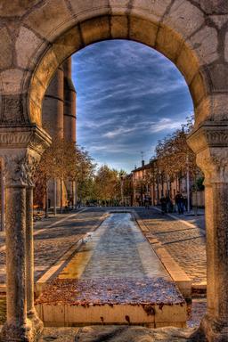 Place de la Trébaille à Albi. Source : http://data.abuledu.org/URI/596d74bb-place-de-la-trebaille-a-albi