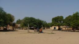 Place du marché de Ndiawara au Sénégal. Source : http://data.abuledu.org/URI/52e4eb50-place-du-marche-de-ndiawara-au-senegal