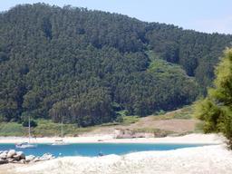 Baie de Ria del Barquero (Espagne). Source : http://data.abuledu.org/URI/55dee44e-plage-d-altorga-pres-de-bilbao