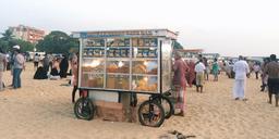 Plage de Negombo au Sri Lanka. Source : http://data.abuledu.org/URI/56de1541-plage-de-negombo-au-sri-lanka