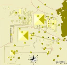 Plan du site des pyramides de Gizeh. Source : http://data.abuledu.org/URI/50786cb9-plan-du-site-des-pyramides-de-gizeh
