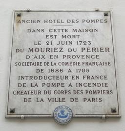 Plaque commémorative de l'Hôtel des Pompes à Paris. Source : http://data.abuledu.org/URI/52fd083e-plaque-commemorative-de-l-hotel-des-pompes-a-paris