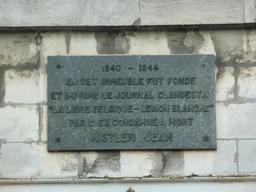 Plaque commémorative de La Libre Belgique. Source : http://data.abuledu.org/URI/53590482-plaque-commemorative-de-la-libre-belgique