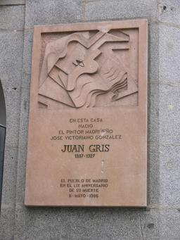 Plaque commémorative Juan Gris. Source : http://data.abuledu.org/URI/51006ad2-plaque-commemorative-juan-gris