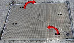 Plaque d'égout isostatique. Source : http://data.abuledu.org/URI/534f9fcf-plaque-d-egout-isostatique