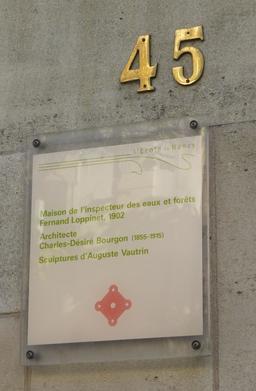 Plaque MH art nouveau avenue Foch à Nancy. Source : http://data.abuledu.org/URI/58190e49-plaque-mh-art-nouveau-avenue-foch-a-nancy