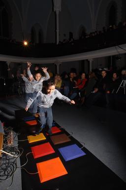 Plaques musicales de couleur - 01. Source : http://data.abuledu.org/URI/585fb5b8-plaques-musicales-de-couleur-01