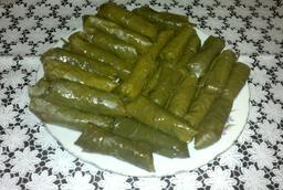Plat de dolma en Arménie. Source : http://data.abuledu.org/URI/548f35e0-plat-de-dolma-en-armenie