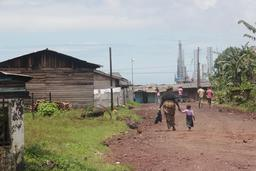 Plate-forme pétrolière au Cameroun. Source : http://data.abuledu.org/URI/56b6c63f-plate-forme-petroliere-au-cameroun