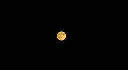Pleine lune. Source : http://data.abuledu.org/URI/55ee2743-pleine-lune