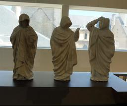 Pleurants néogothiques au musée des beaux-arts de Dijon. Source : http://data.abuledu.org/URI/59d6a203-pleurants-neogothiques-au-musee-des-beaux-arts-de-dijon