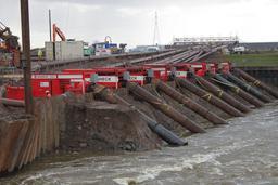 Pompes et inondations. Source : http://data.abuledu.org/URI/53108a1e-pompes-et-inondations