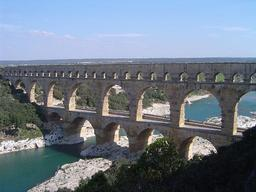 Pont-acqueduc du Gard. Source : http://data.abuledu.org/URI/47f4e671-pont-acqueduc-du-gard