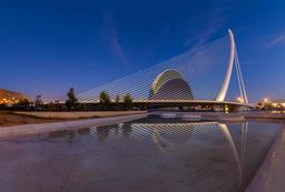 Pont de l'Assut de l'Or à Valence. Source : http://data.abuledu.org/URI/55087a70-pont-de-l-assut-de-l-or-a-valence