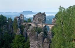 Pont de la Bastei en Saxe. Source : http://data.abuledu.org/URI/53e90f4a-pont-de-la-bastei-en-saxe