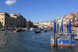 Pont du Rialto à Venise. Source : http://data.abuledu.org/URI/59da7cf7-pont-du-rialto-a-venise