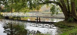 Pont en bois. Source : http://data.abuledu.org/URI/58546b75-pont-en-bois