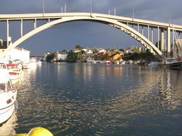 Pont en Norvège. Source : http://data.abuledu.org/URI/58753e4d-pont-en-norvege