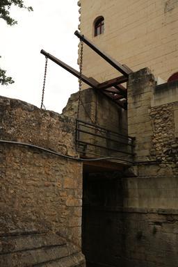 Pont-levis du château de Chenonceau. Source : http://data.abuledu.org/URI/55e45d01-pont-levis-du-chateau-de-chenonceau