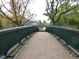 Pont piéton au parc botanique de Toulouse. Source : http://data.abuledu.org/URI/5828cbc2-pont-pieton-au-parc-botanique-de-toulouse