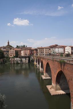Pont Vieux d'Albi. Source : http://data.abuledu.org/URI/596d68c2-pont-vieux-d-albi
