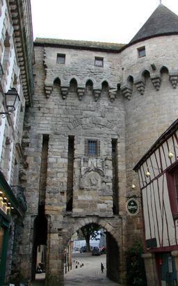 Porte de prison à Vannes. Source : http://data.abuledu.org/URI/50426c89-porte-de-prison-a-vannes