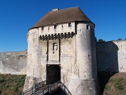 Porte des Champs du château de Caen. Source : http://data.abuledu.org/URI/58da14eb-porte-des-champs-du-chateau-de-caen