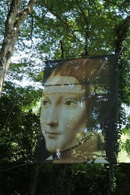 Portrait dans le parc du Clos Lucé. Source : http://data.abuledu.org/URI/55cd1b48-portrait-dans-le-parc-du-clos-luce