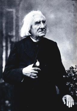 Portrait de Franz Liszt en 1884. Source : http://data.abuledu.org/URI/53f0cb2f-portrait-de-franz-liszt-en-1884