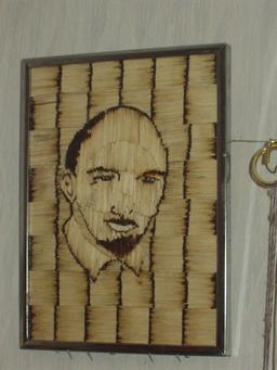 Portrait de Lénine en allumettes. Source : http://data.abuledu.org/URI/5311e036-portrait-de-lenine-en-allumettes