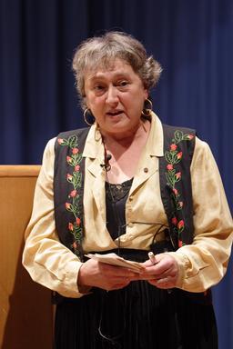 Portrait de Lynn Margulis en 2005. Source : http://data.abuledu.org/URI/5539f45b-portrait-de-lynn-margulis-en-2005